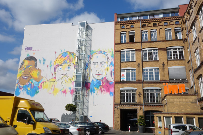 Obama, Merkel, Putin on the wall. August 2015. ÏMA Loft Apartments: Ritterstraße12-14 @ Kreuzberg
