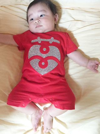 Custom Baby Romper Suit with Iron-On Vinyl・オリジナルベイビーロンパース赤:2