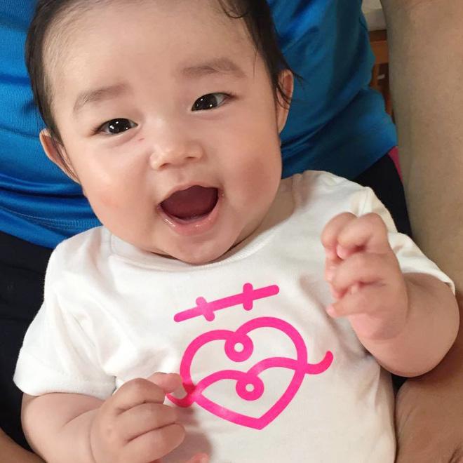 Custom Baby Clothes: Tshirt with Iron-On Vinyl・ロゴをアイロンプリントしたベイビーTシャツ