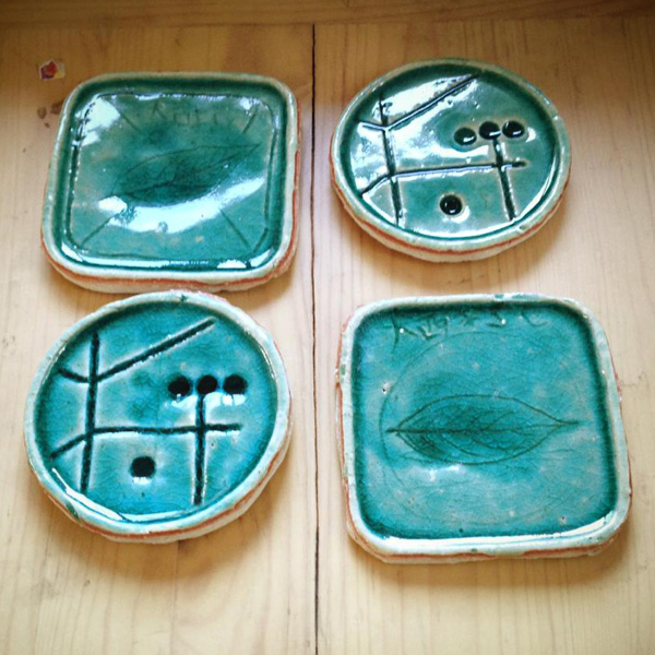 handmade pottery plates・finish