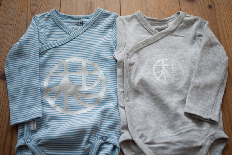 Personalized Baby Clothes (Rompers) with logos・カスタムデザインロンパース(カッティングラバー)