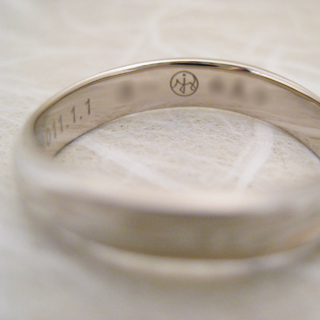 オリジナルの結婚指輪(お名紋を刻印)